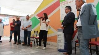 Colocan tercer contenedor de grasas en mercado del Centro Histórico